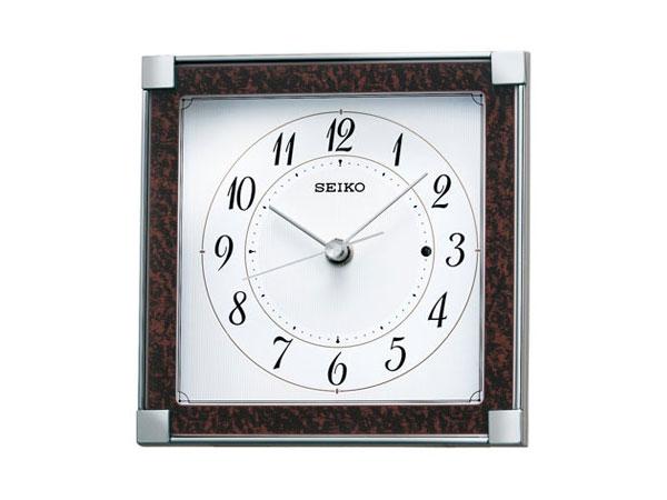 海外で自動的に時刻合わせしてくれる腕時計につい …