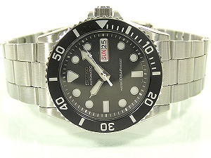 セイコーオートマ chick boys size day-date calendar with automatic winding watch black dial stainless steel belt SKX023K2