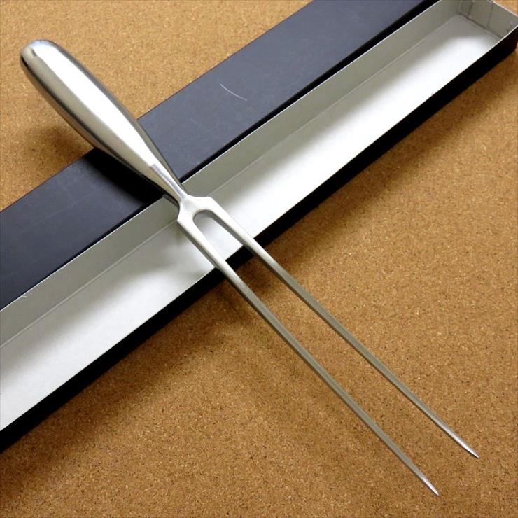 関の刃物 カービングフォーク 全長 31.5cm フォーク部 18.0cm 限定価格セール 濃州正宗作 カービングナイフで肉を切り分ける際に押さえるフォーク 国産日本製 ステンレスハンドル 期間限定の激安セール ステンレス刃物鋼
