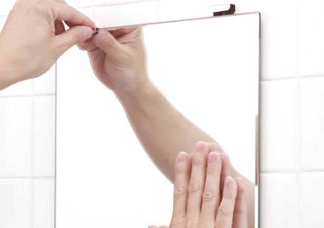 金具はそのままで、鏡本体だけを交換できます。 東プレ 交換用鏡 N-1 303×365×5mm | 鏡 ミラー 浴室 お風呂 洗面 交換 取替 壁掛け 賃貸 国産 簡単 DIY