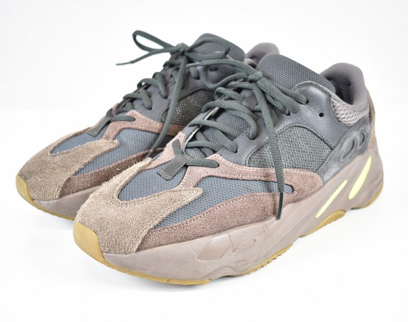 new styles d7204 904ea ADIDAS YEEZY BOOST 700/ Adidas easy boost 700 low-frequency cut sneakers  mauve MAUVE EE9614 size: A 27.5cm color: Gray system