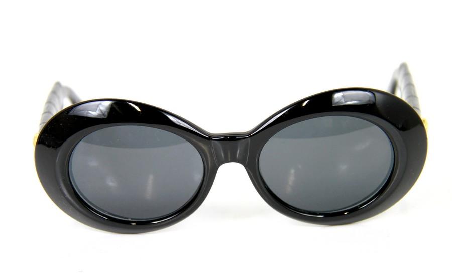 05f4b29299b VERSACE  Versace vintage Medusa temple sunglasses MOD.418 P COL. 852 size   - A color  Gold