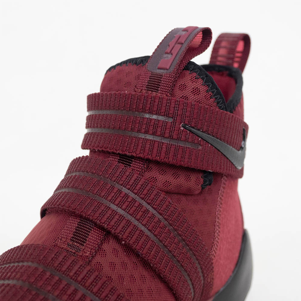 san francisco 1b425 e5def Nike Revlon /NIKE LEBRON LeBron James shoes / basketball shoes LEBRON  SOLDIER XI SFG Revlon soldier Red/Black 897,646-600