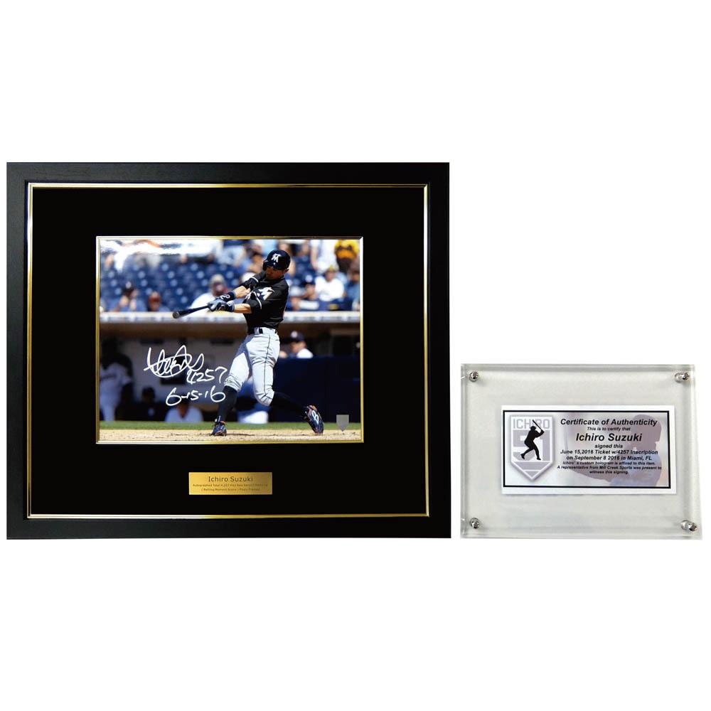 ご予約 MLB マーリンズ イチロー 直筆トリプルサイン入り 通算4257本安打達成記念 シーン フォトフレーム/写真