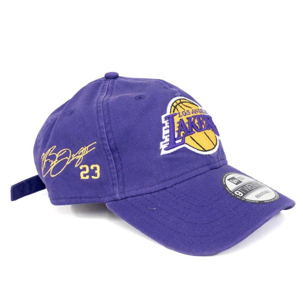 NBA レイカーズ レブロン・ジェイムス キャップ/帽子 サイン刺繍入り カスタム 9Twenty NewEra パープル