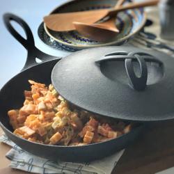 焼く炒めるの他にも煮込みや炊飯などいろいろな使い方が出来るフライパン型の万能鍋です。 【送料無料】南部鉄器 壱鋳堂 オーブンパン25cm