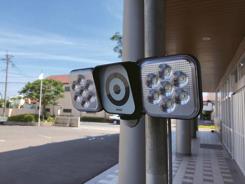 防犯カメラ付き LEDセンサーライト ステンレスバンドセット付き 403-1655 仙台銘板