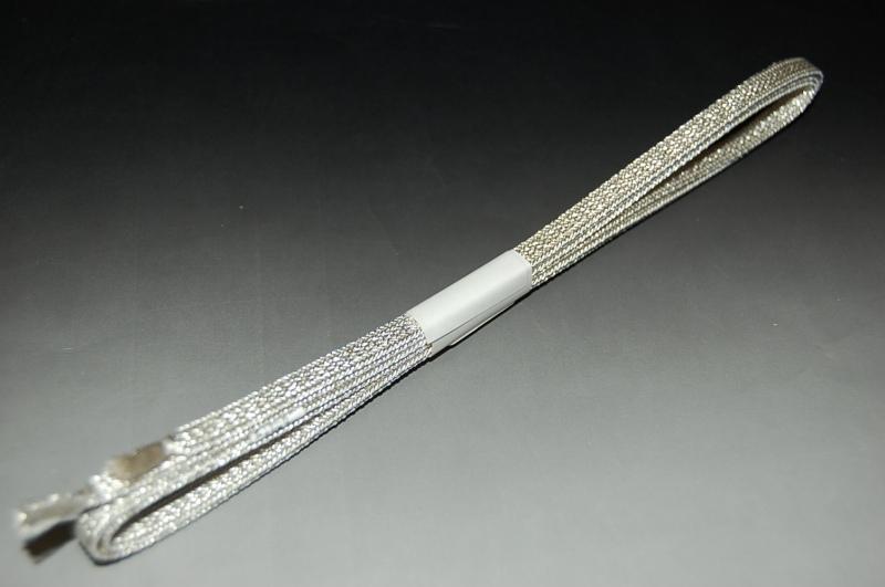 二分組みひも No.024-銀色 正絹素材 送料無料激安祭 日本製 アンティーク帯留め等にオススメ 国内在庫 巾0.6センチ長さ約105センチ