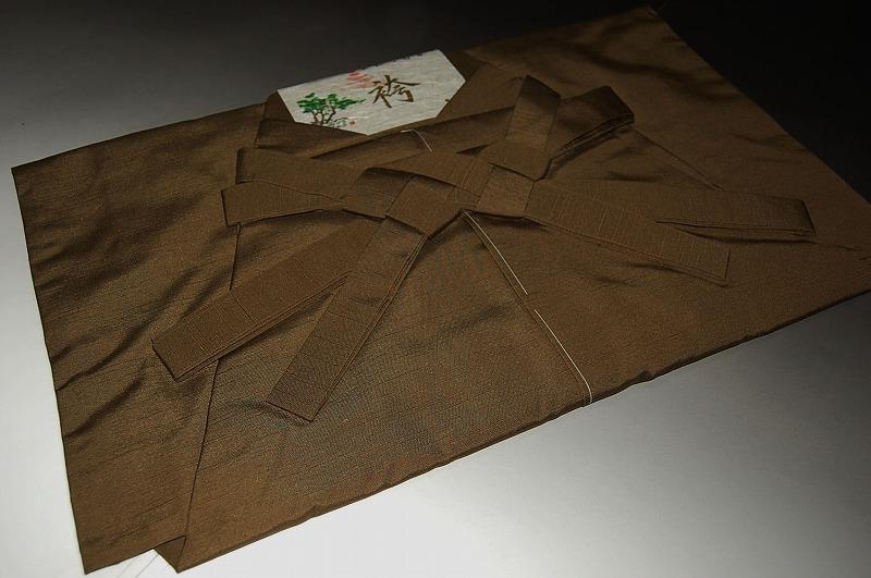 おとこもの袴・無地タイプ-No.214(仕立て上がり・馬乗り)米沢産袴地・絹素材【送料無料】【日本製品】