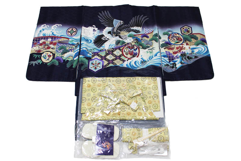 お買い得品/五歳男児お祝い着-B-2-k-16(七五三/羽織色:紫色/着物の色:紺色/袴の色:金色金襴袴/アンサンブルセット)【送料無料】こちらは箱無しとなります。