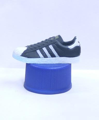 ペプシ adidas ボトルキャップ 1.SPST(スーパースター) 黒 PEPSI【中古】
