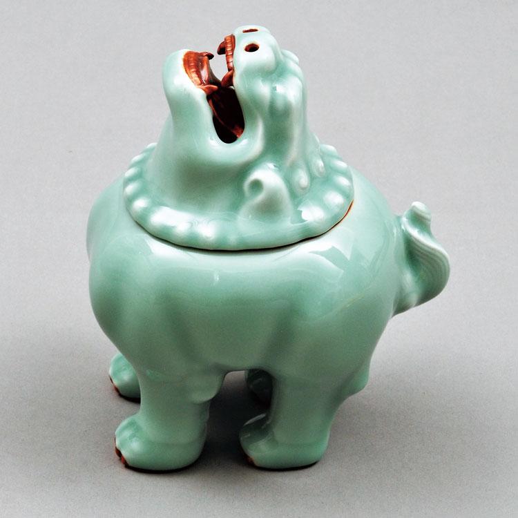 茶道具 香炉(こうろ) 香炉 平戸焼 青磁 獅子 横石 嘉助