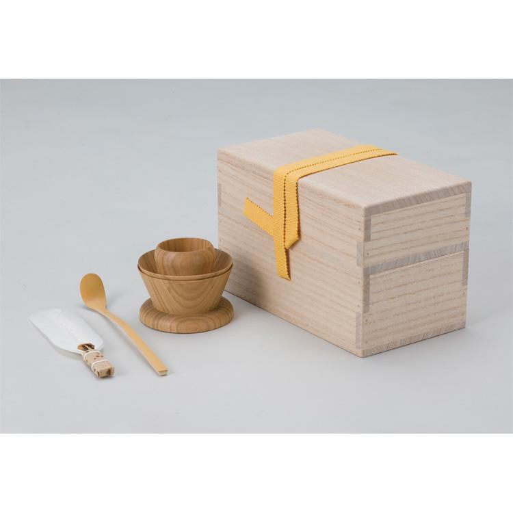 茶道具 茶掃箱セット 茶掃箱・茶上合(木製)・竹茶杓・羽根●羽根の種類は変わることがあります。 (茶道具 通販 )