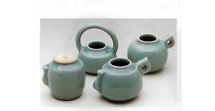茶道具 青磁(練蓋付)四滴茶入 富田静山作