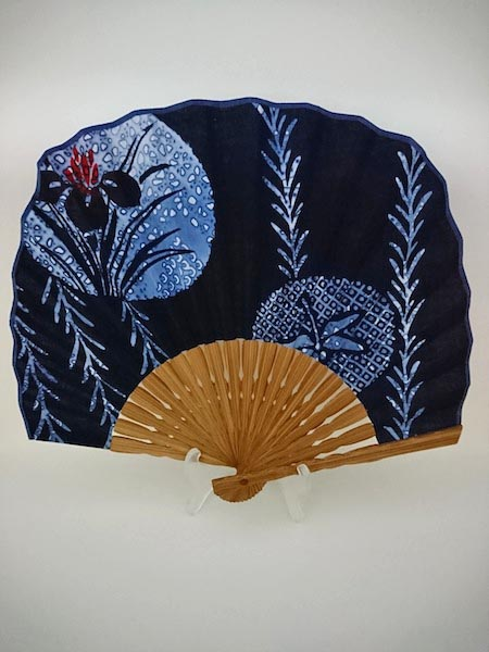 スクエア扇子(四角扇)/藍染め綿生地・唐木骨 柳と菖蒲/団扇型/男女兼用/男物女物/紳士男性用/婦人女性用