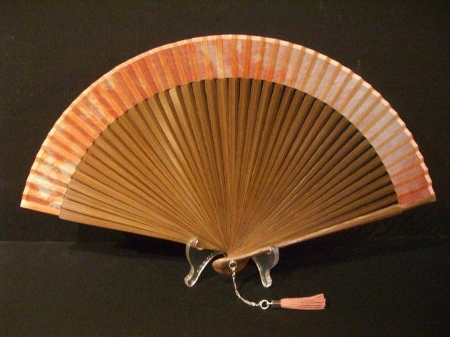ミニ短地扇・シルク生地/草木染扇子(ピンク)×唐木・宗一ブランド