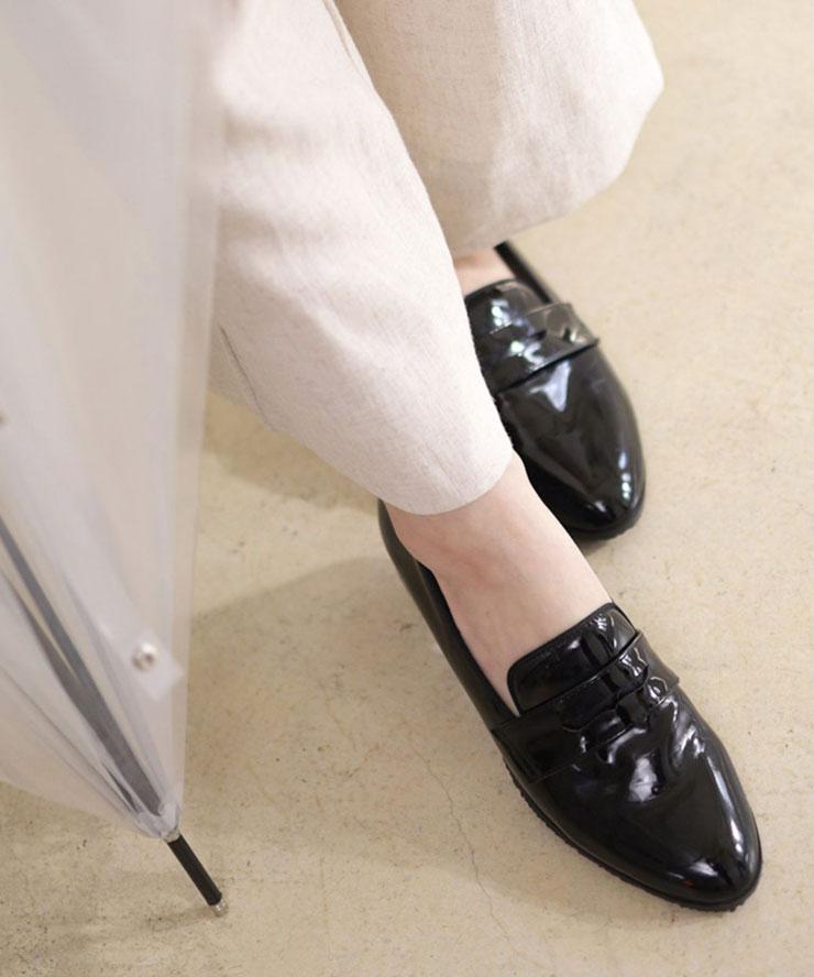 雨のち晴れ 晴れた日でも履ける《レインシューズ》 22日 20:00~23日9:59まで15%クーポン配布中 再再販 送料無料 レインシューズ レディース おしゃれ パンプス 痛くない ローヒール ローファー 靴 レインパンプス 晴雨兼用 一部7月上旬入荷予定 雨梅 雨 防水 脱げない 歩きやすい 豪華な ブラック 雨靴 白 ホワイト エナメル 黒