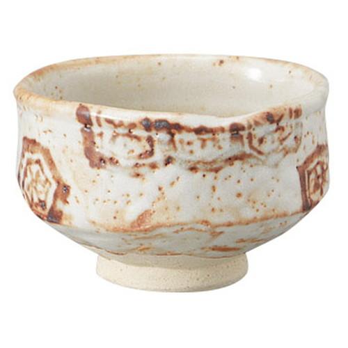 志野亀甲紋茶碗(木箱入) [ 13.5 x 8.5cm ] [ 抹茶碗 ] | 茶道 野点 日本土産 贈り物