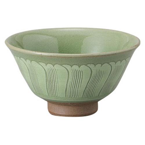 高麗青磁波紋茶碗(木箱入) [ 13.5 x 7cm ] [ 抹茶碗 ] | 茶道 野点 日本土産 贈り物