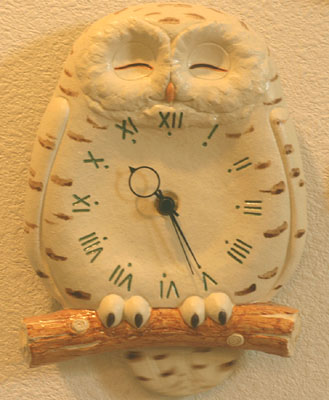 白ふくろう尾振掛け時計