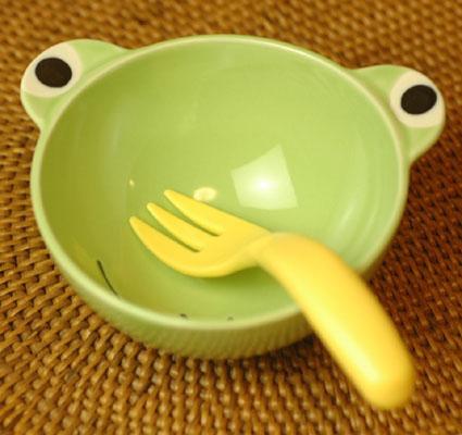 大事に扱う心を育む 子供用食器 カエル 税込 お茶碗 日時指定