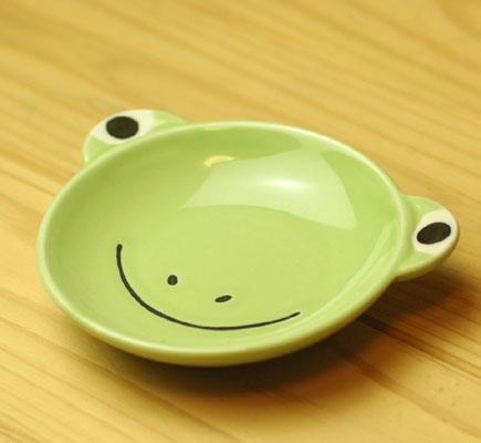 大事に扱う心を育む 子供用食器 小皿 カエル 日本産 男女兼用