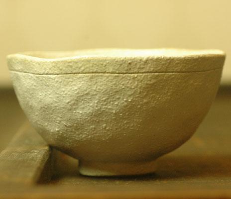 小ぶりの飯碗をお探しの方に‥ 大人気 期間限定で特別価格 粉引 錆彩飯碗
