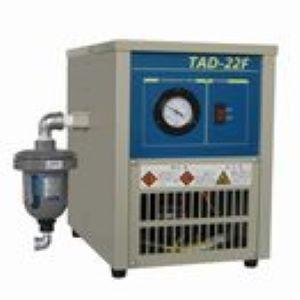 東芝 エアコンプレッサ TAD-22F 冷凍式エアドライヤ 単相100V 2.2kW 50/60Hz