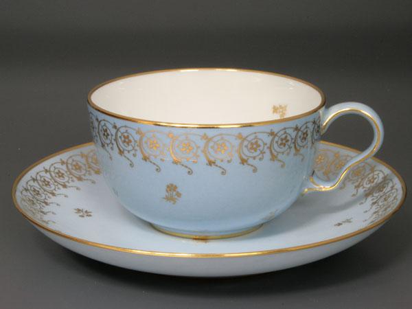 【幻の陶磁器と称されるフランスの国窯セーブル(SEVRES)】稀少なアガサブルー(瑪瑙色)ティーカップ カラーブル70洋食器直輸入販売