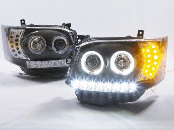 200系ハイエース LEDタイプヘッドライト 3型後期用ブラック SHARK TO1-817