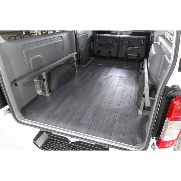 ユーアイビークル(UI-Vehicle) NV350キャラバン プレミアムGX用 CFカーゴマット ロング3m アルミチェッカープレート柄
