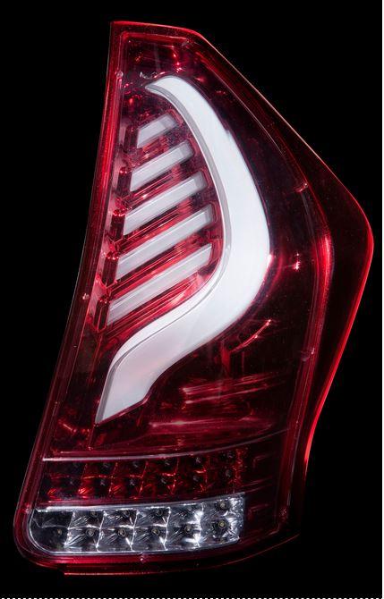 ヴァレンティ(valenti) ジュエルLEDテールレンズ 【クリアレッドクローム】 ZVW40/41プリウスアルファα 品番TT40PRA-CR-1