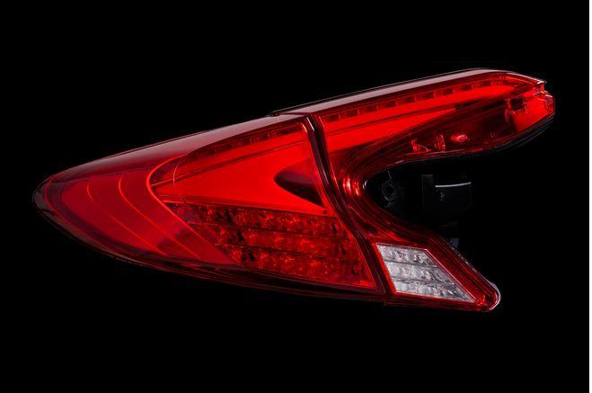 ヴァレンティ(valenti) ジュエルLEDテールREVO 【ハーフレッドクローム】 C-HR ZYX10/NGX10/NGX50 TT10CHR-HC-1