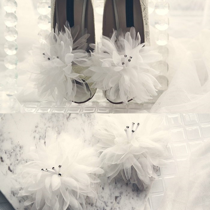 即納最大半額 取り外しでお好きにアレンジ いつもの靴が見違えるシューズクリップが新登場 キラキラゴージャスフラワーコサージュシューズクリップ2個1セット 靴クリップ 一部予約 パーティー 結婚式 二次会 ウエディング