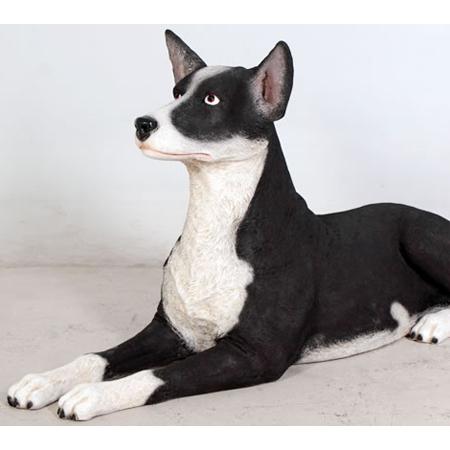 横たわるケルピー犬【CARUNA】