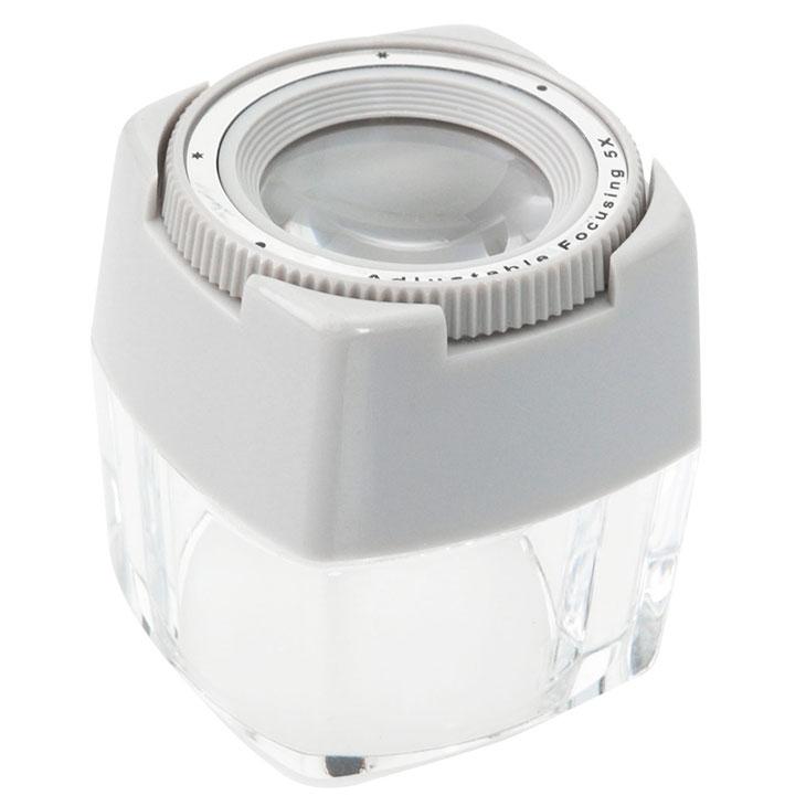 ダイヤル調整で最も見やすい位置で使用できます 割り引き 送料無料 エツミ VE-5518 アジャストルーペ 5× 上質 虫眼鏡 印刷物用 ネガ ポジフィルム 5倍 視度調整付拡大鏡
