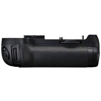 【送料無料】 ニコン MB-D12 マルチパワーバッテリーパック [Nikon D810/ D800/ D800E用]