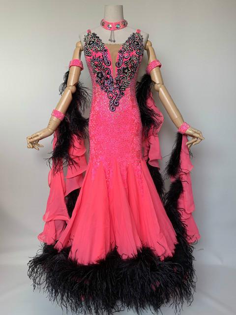 【即納商品】【送料無料】社交ダンス・社交ダンスドレス デモドレス・舞台・演奏会・発表会ドレスワルツドレス モダンドレス♪黒いフェザーとストーンで上品に♪