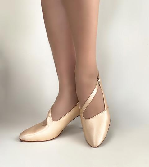 現金特価 送料無料 サイズ 横幅 ヒール高が選べます 注目ブランド 4週間程でのお届けとなります 女性モダンシューズ セミオーダー ダンスシューズ社交ダンスシューズ 社交ダンス モダンシューズダンス用品