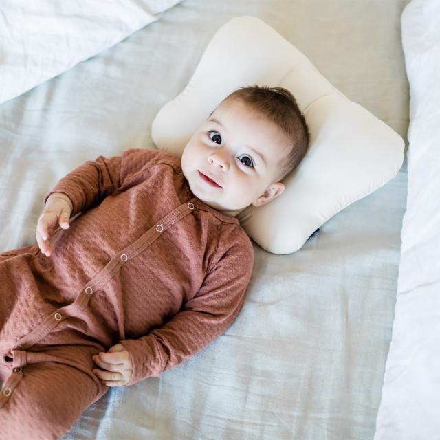 新生児から使える あかちゃんまくら 枕 頭の形が良くなる 人気 登場大人気アイテム おすすめ ドーナツ枕 首に負担なし プレゼント 〔今や定番〕裏メッシュ〔新生児まくら〕枕 首に負担なし出産準備 ギフト 出産祝い
