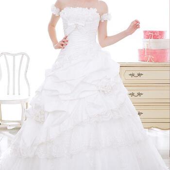 ウェディング ドレス レンタル 11号「腕リボンドレープ(アームバンド付)」pl003【女の子の憧れが詰まったキュートなウェディングドレス!スタイルアップ効果のウエストラインに胸のフリル、さらにヒップのお花でかわいい花嫁を演出します♪】【fy16REN07】