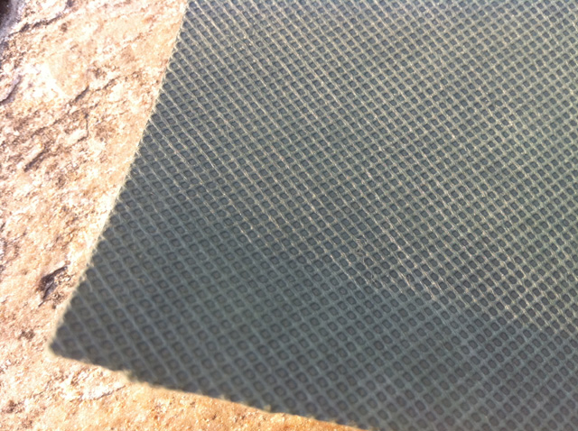 1m迄のお試しは 長さ1mまでメール便対応 お庭に人工芝を敷く前に敷いて雑草が生えるのを防ぎます 雑草防止 人工芝 を 敷くなら 透水性 1m幅 NEW ARRIVAL 防草シート お買い得 切り売り 高密度不織布 1m単位 必需品