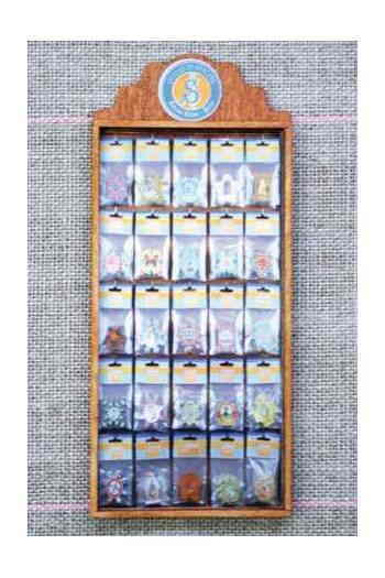 ドールハウス ミニチュア 手芸店 国内送料無料 Sajou サジュー PR SENTOIR BOIS 予約 輸入 FIL 雑貨 CARTES 爆安プライス MP_48_CAR_07 MINIATURE フランス製