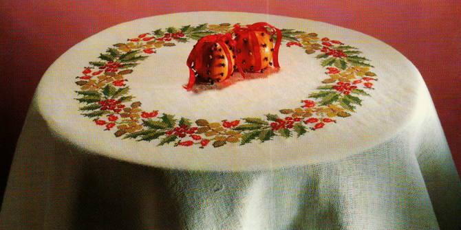 フレメ クロスステッチ刺繍キット 輸入 Berry's lease ベリーのリース Haandarbejdets Fremme デンマーク 北欧 刺しゅう 7B GB 上級者 06-4345oL
