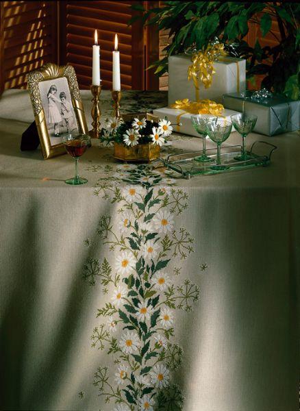 刺繍王国デンマークのクロスステッチキットをお届けします☆ 送料無料 EVA ROSENSTAND 白菊 White chrysanthemum 激安通販 キット クロスステッチ 刺しゅう 北欧 デンマーク 期間限定送料無料 12-4426