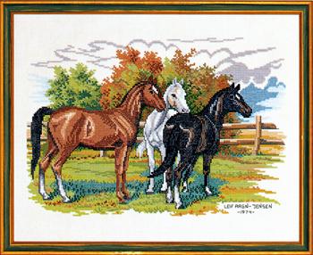 EVA ROSENSTAND クロスステッチ刺繍キット 【三頭の馬】 デンマーク 北欧 輸入 上級者 12-474
