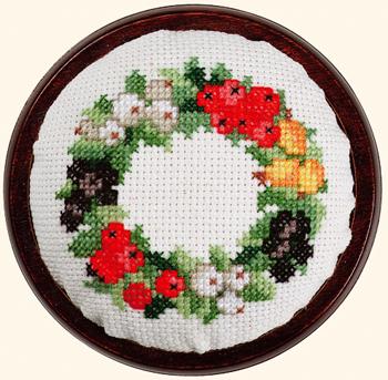 EVA ROSENSTAND ピンクッション/ベリー Needle pillow berries クロスステッチ キット デンマーク 北欧 刺しゅう 44-305