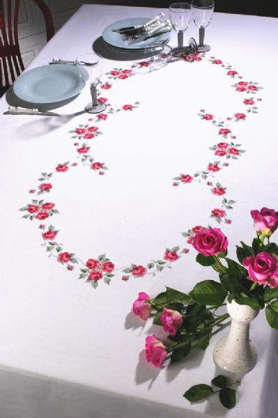ペルミン クロスステッチ刺繍キット 輸入 PERMIN ローズのテーブルクロス Rosendug デンマーク 北欧 上級者 58-6399