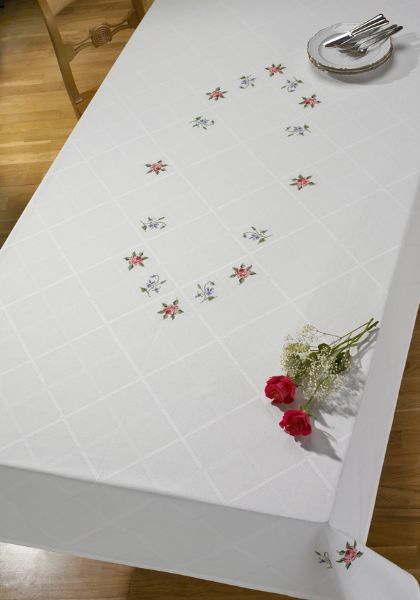 PERMIN ローズ&バイオレット Dug Rose,violer クロスステッチ 刺繍 キット デンマーク ペルミン 58-1868 【送料無料】