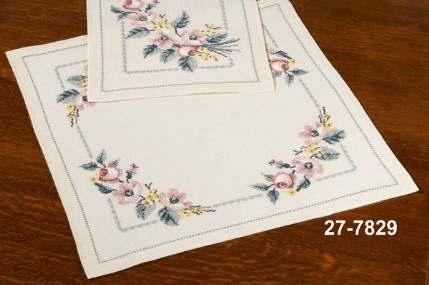 クロスステッチ刺繍キット Roses on flax ローズ ペルミン 輸入 Permin デンマーク 27-7829 上級者 【DM便対応】